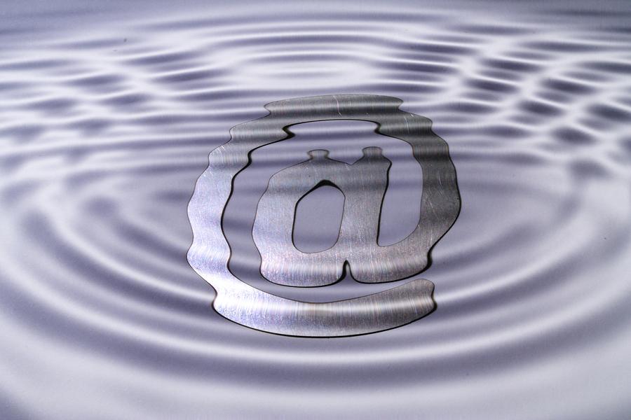 A web symbol under water symbolizing misty ways on the www.