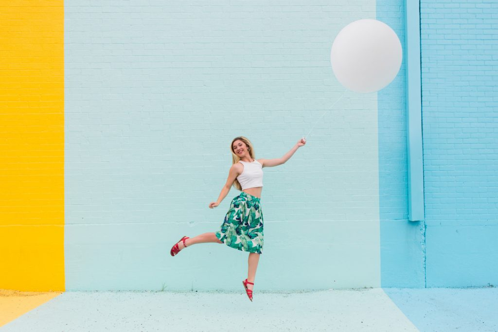 jumping-colorful-celebration-girl-balloon_t20_Ox1mog