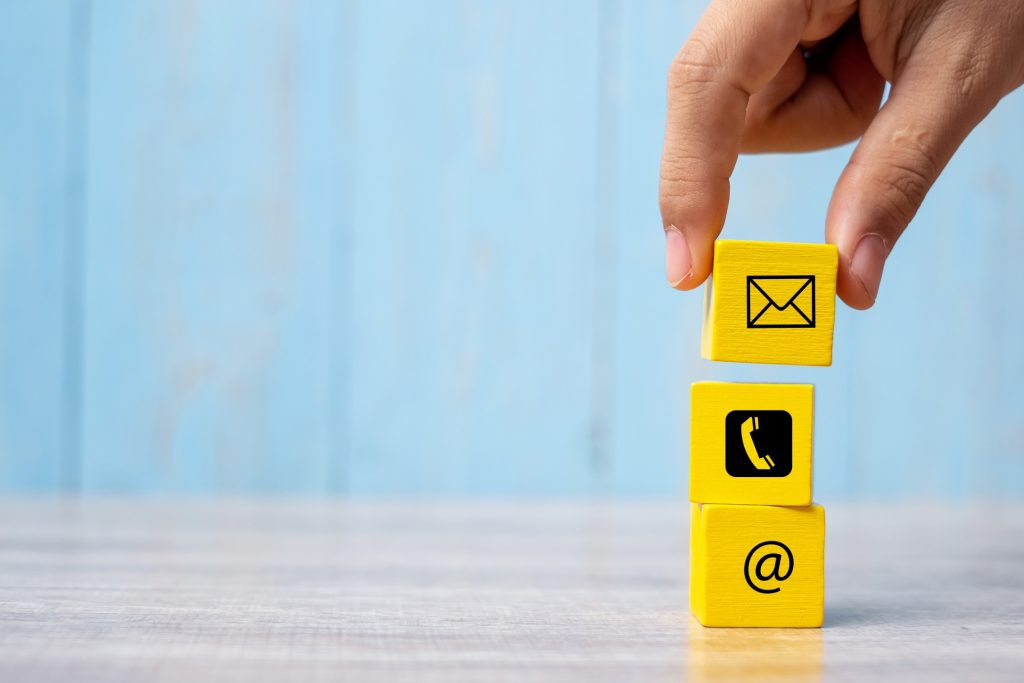 wooden-block-cube-symbol-email-telephone-and-address-_t20_6mGeY2