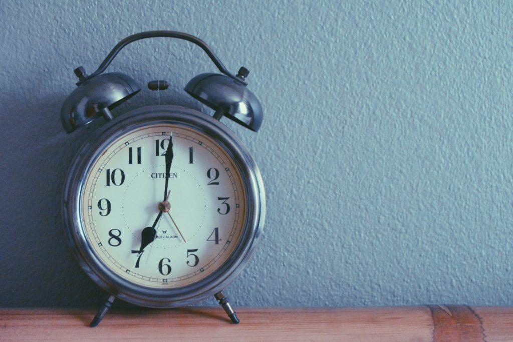 simple-clock_t20_EPBvVV