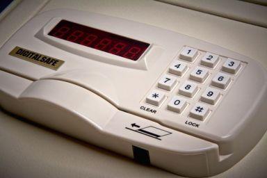 high-tech-digital-safe-keypad-1