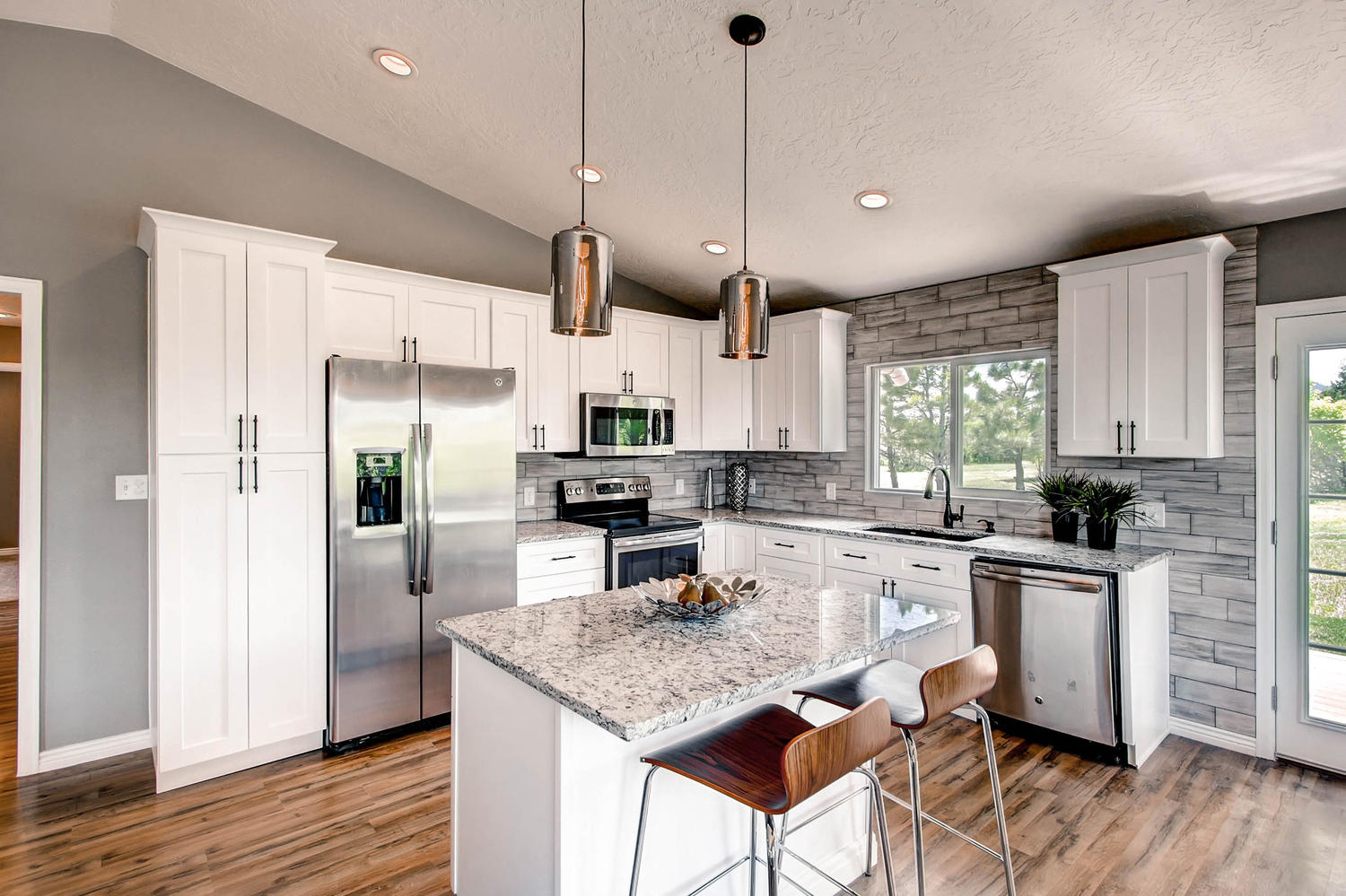 Home Staging Design By White Orchid