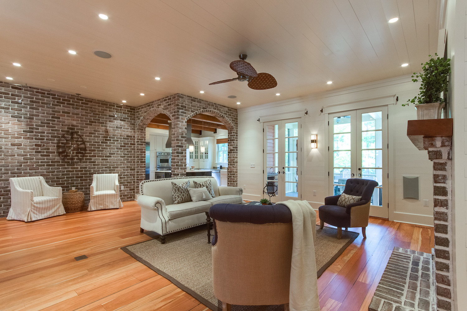 showhomes-of-charleston-home-staging-gallery-15 - White Orchid Interiors