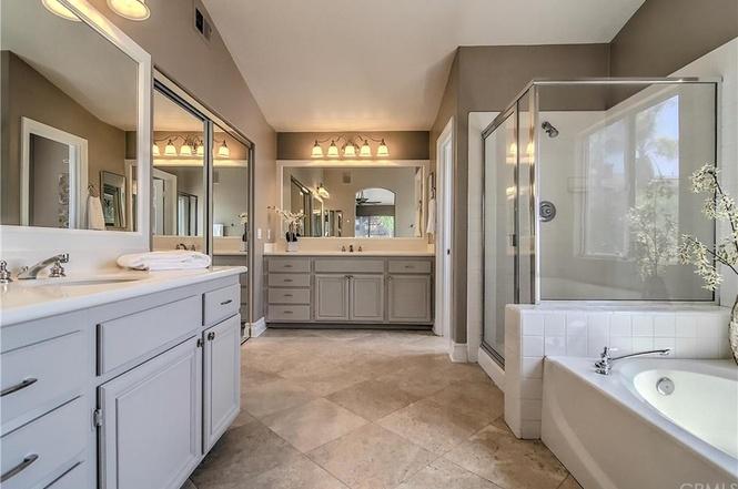 Coto de Caza White Orchid Bathroom