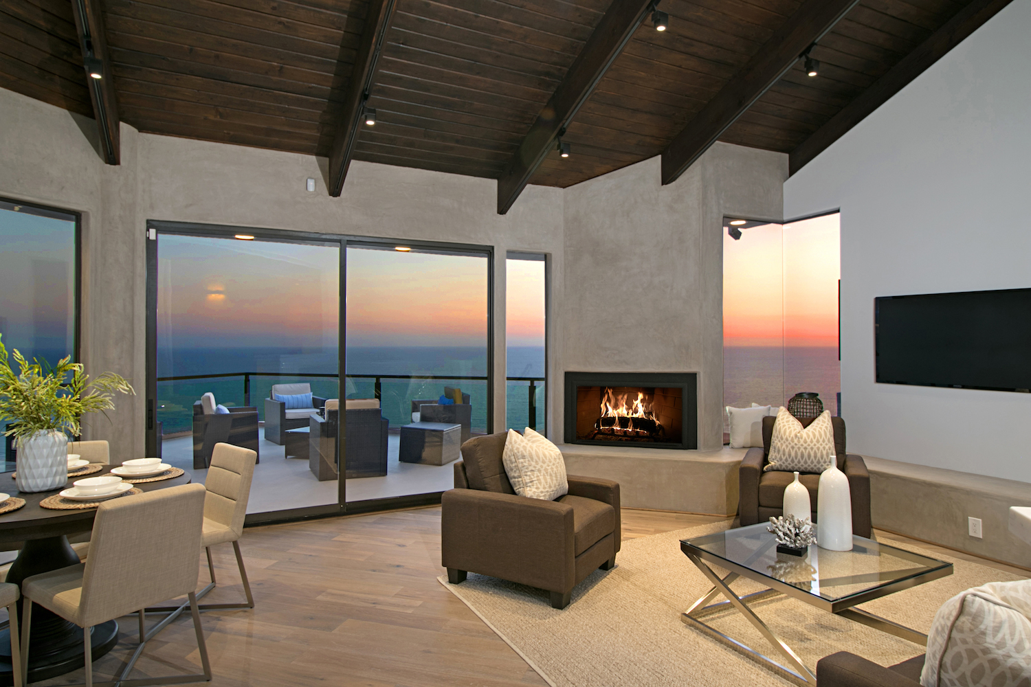 Featured Home Staging Companies Gt White Orchid California