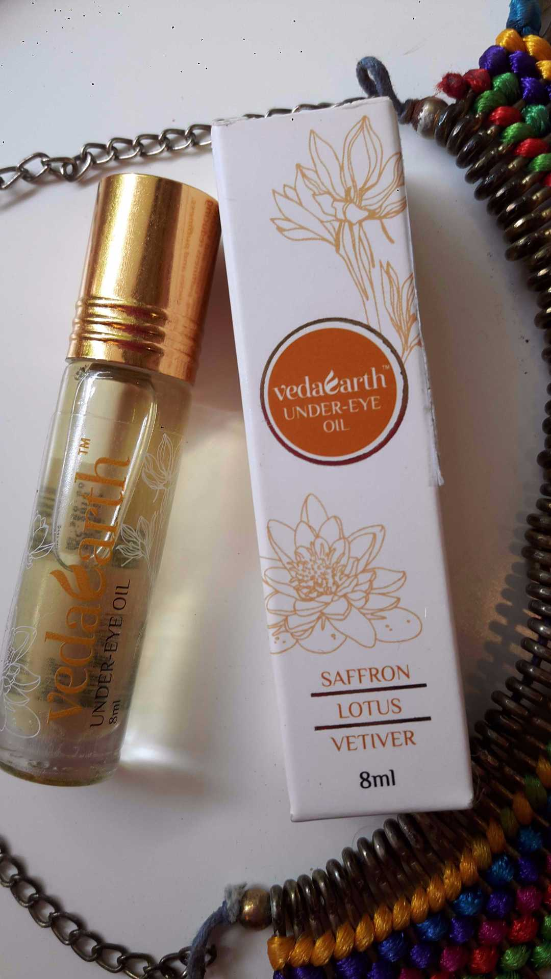 VedaEarth Under Eye Oil Review  image