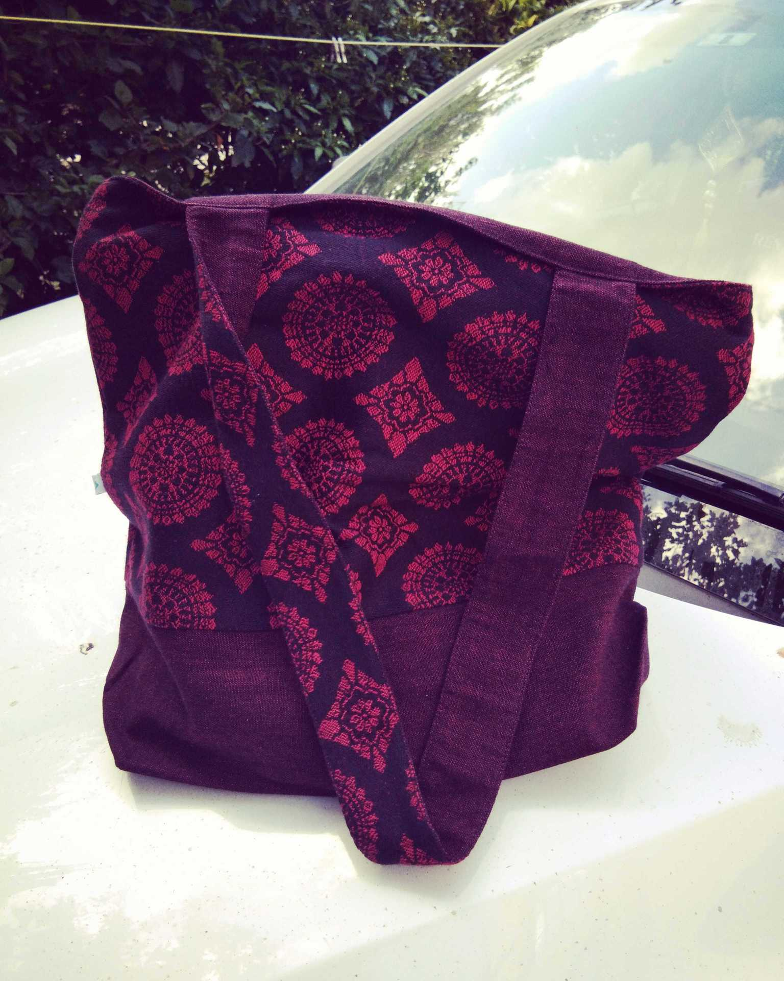 SOUL SLINGS -IMPERIAL JACQUARD DAY BAG image