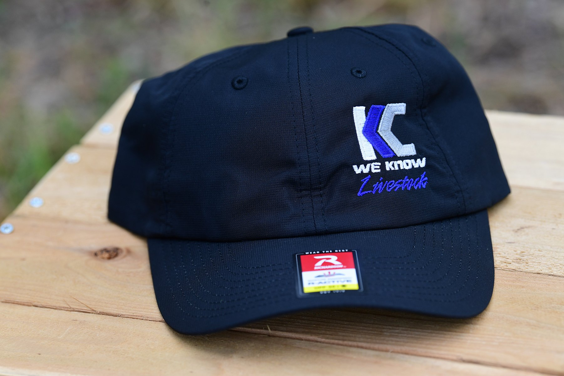 R200 Style Hat Black with Color logo | KC5_3698.JPG