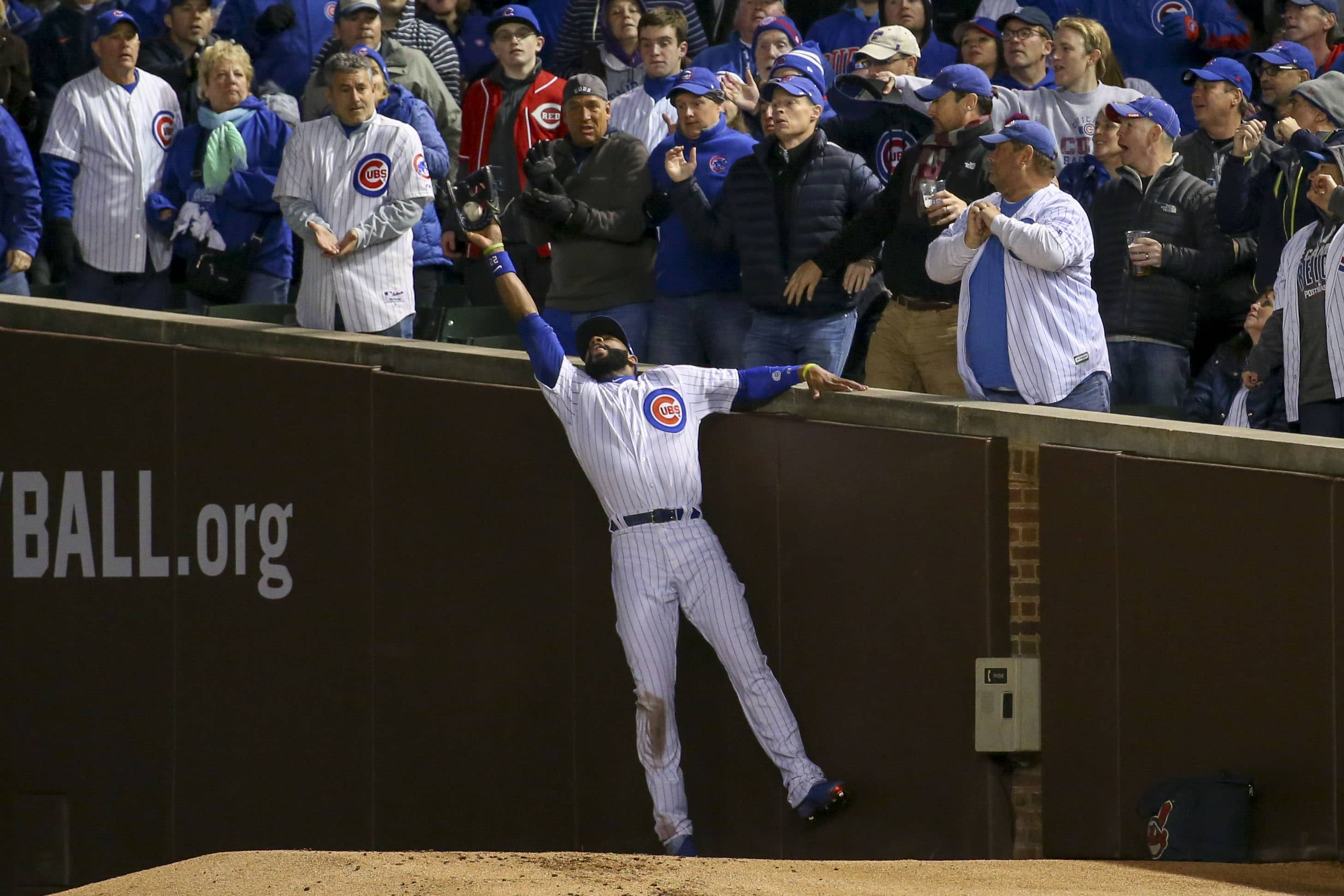 Plays like this one are the reason Jason Heyward is so valuable in a lineup, even when he's not hitting. (Jerry Lai/USA TODAY Sports)