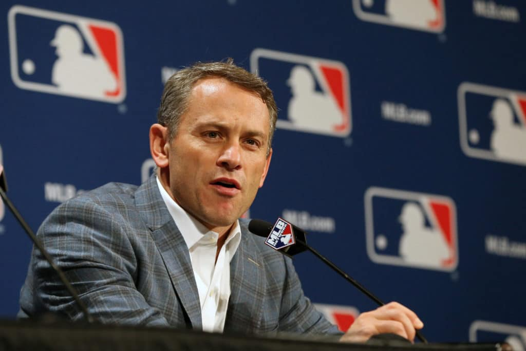 Agrees to deal with Cubs