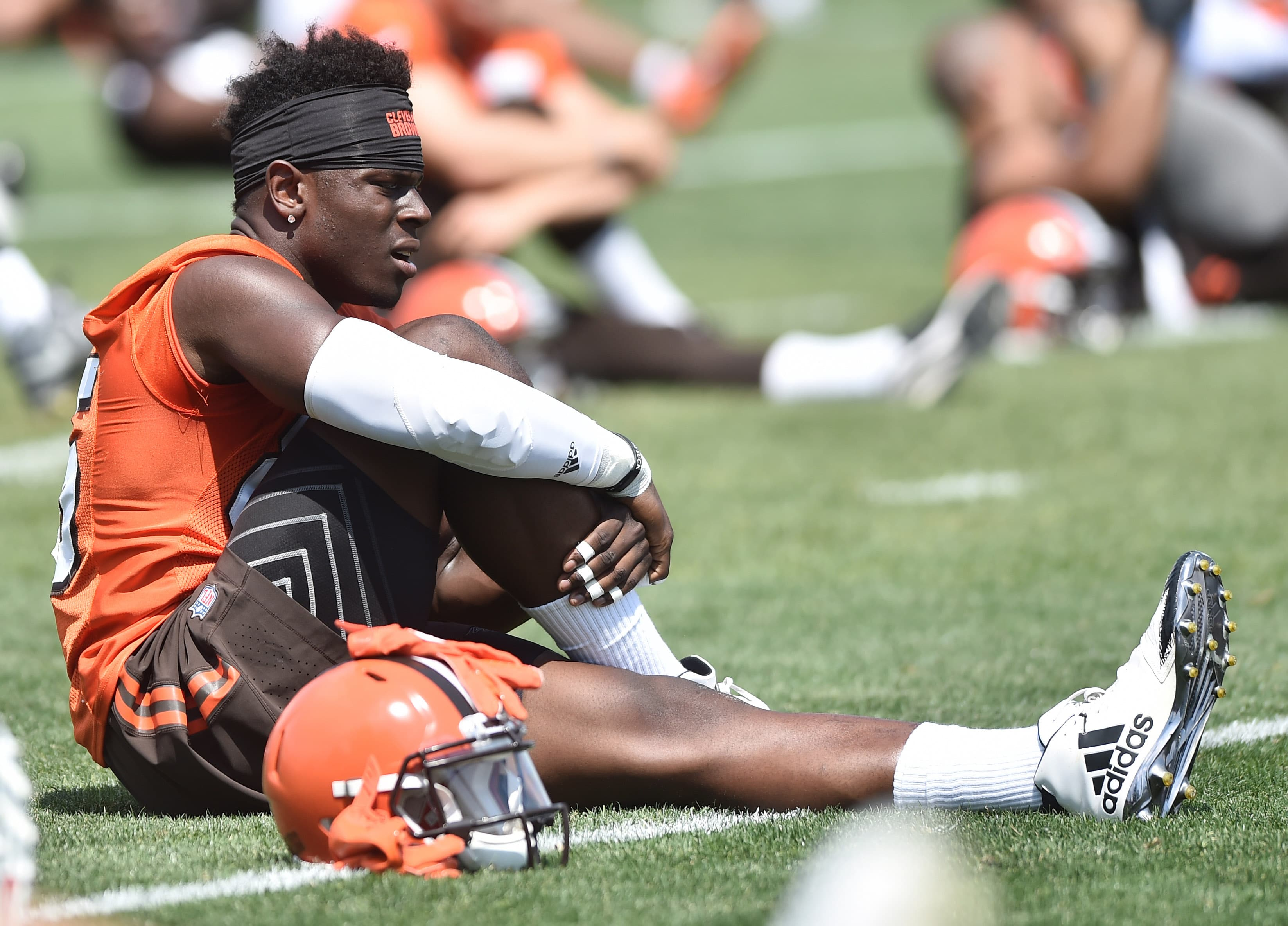 Myles Garrett continues to progress, records two sacks in Browns scrimmage