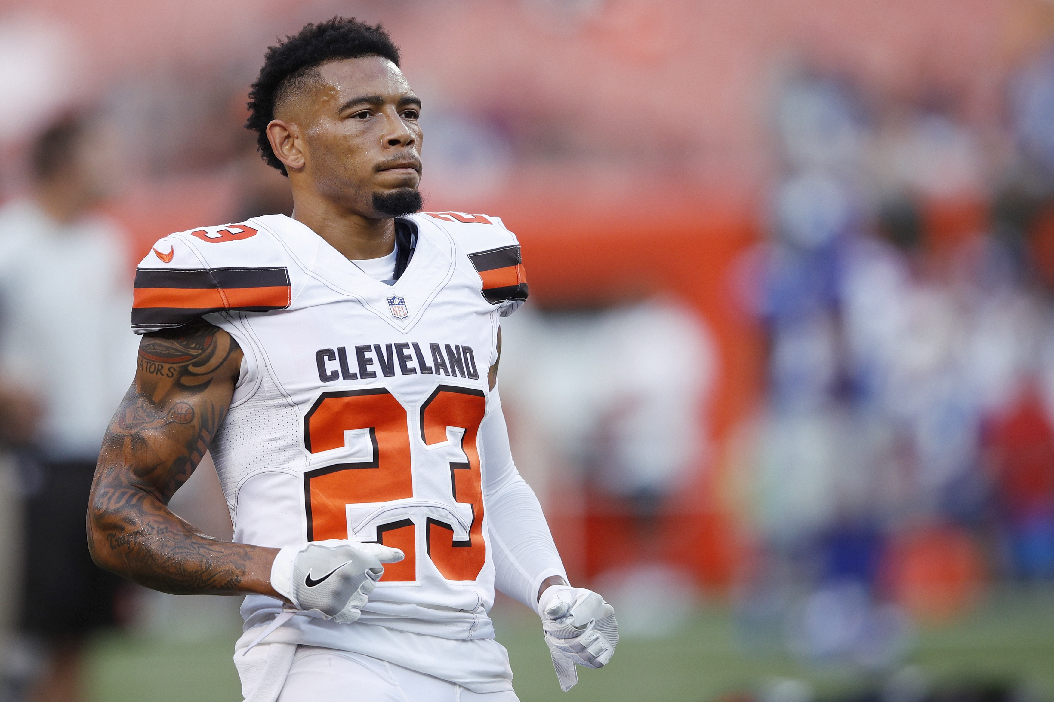 Browns are 'aggressively' trying to trade cornerback Joe Haden