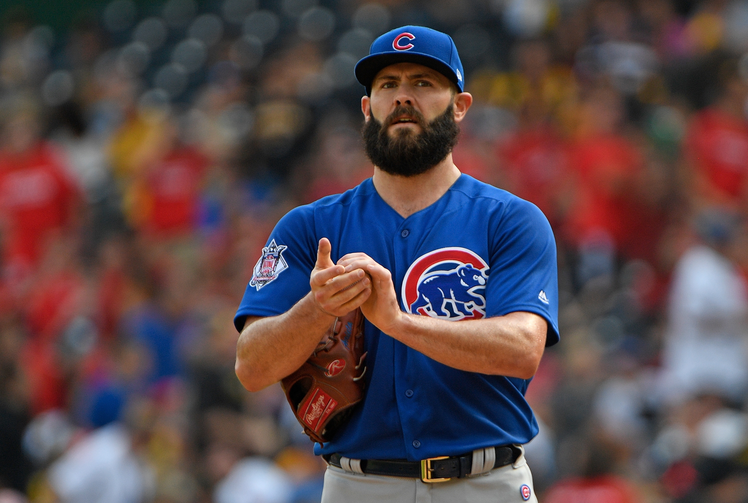 Cubs RHP Jake Arrieta exits early with apparent injury