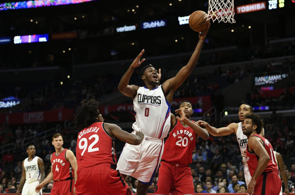 Bulls sign big man Diamond Stone