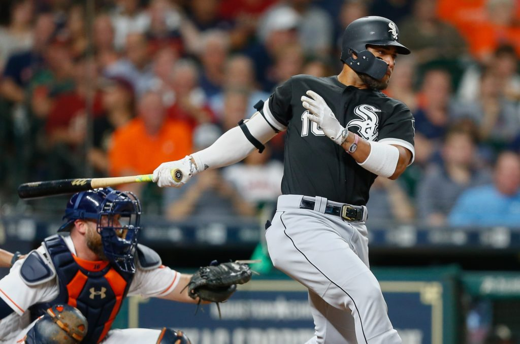 Altuve Homers, Astros Top White Sox 3-1
