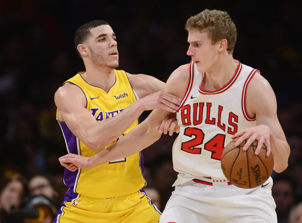 Lakers claw back from 19-point deficit to grab win over Bulls
