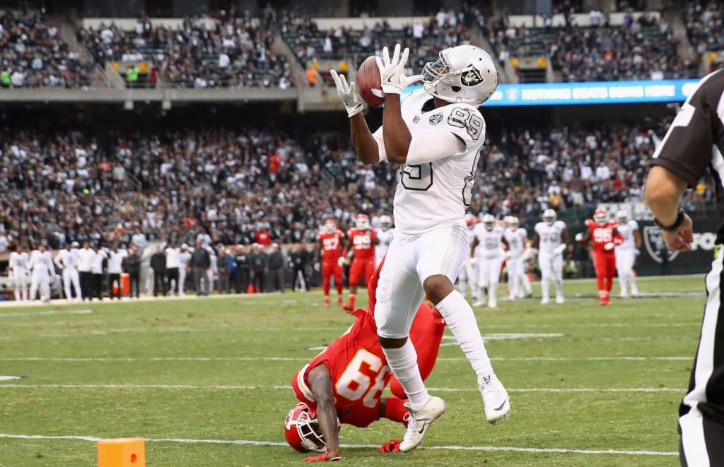 Raiders lose control of division with loss to Chiefs