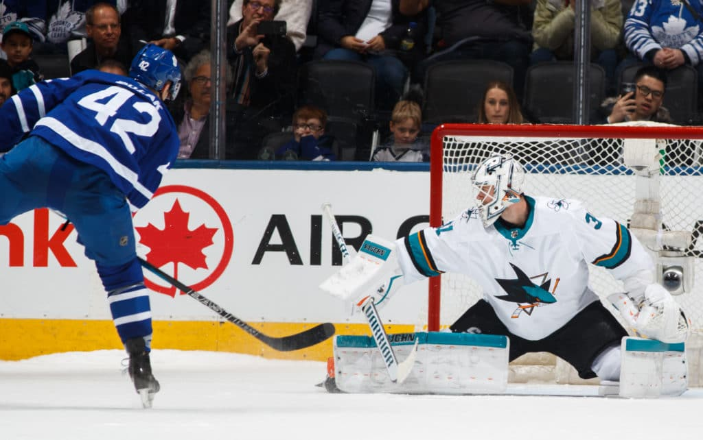 Kadri tugs at Thornton's beard, Maple Leafs beat Sharks
