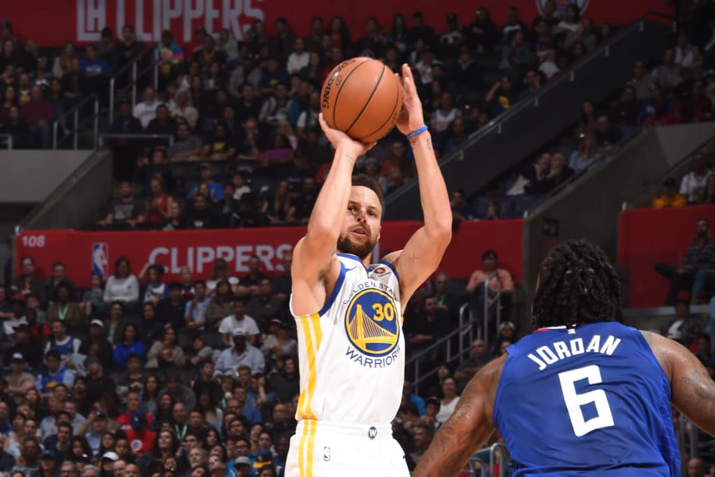 Stephen Curry sprains ankle at shootaround, out vs. Clippers