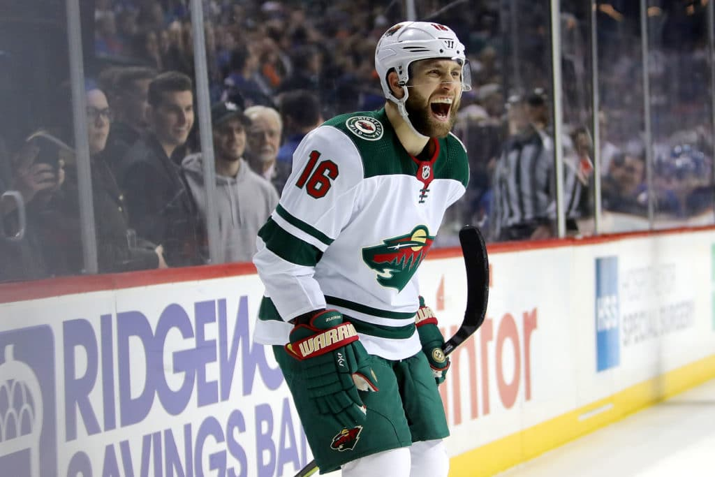 Zucker scores twice as Wild beat Islanders