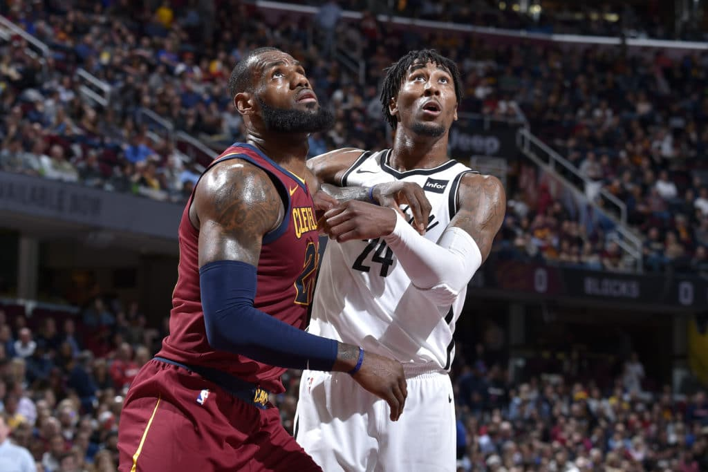 LeBron James flirts with a triple-double Thursday in Cavaliers' loss