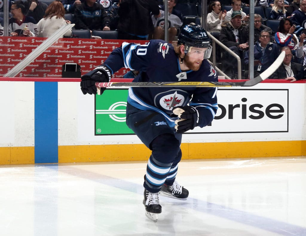 NHL: Stastny scores in debut but Jets fall