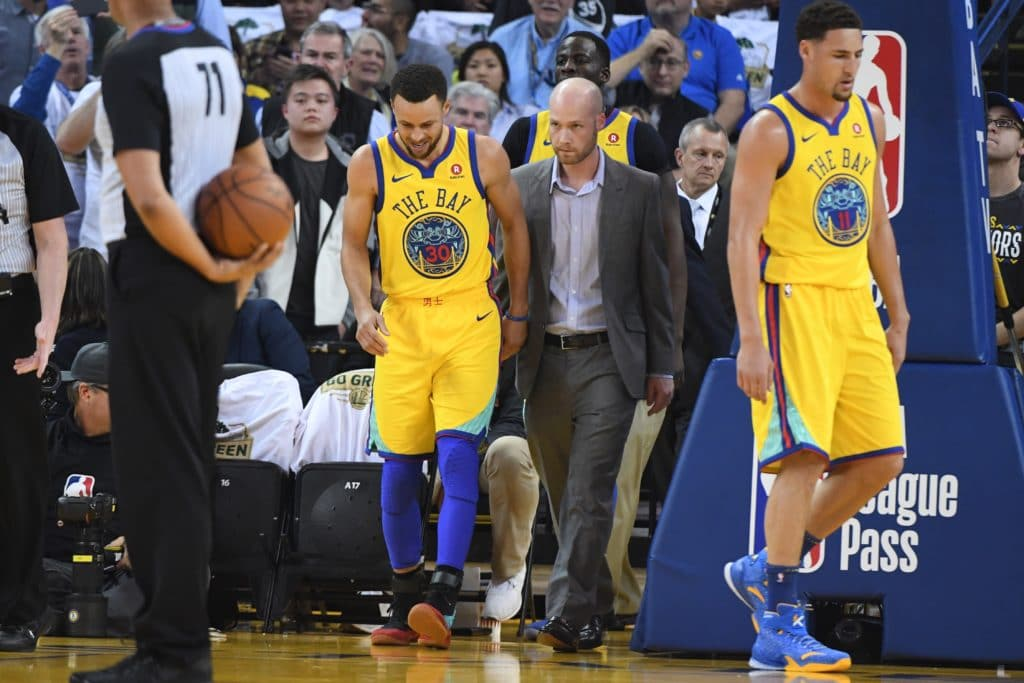 March 8, 2018; Oakland, CA, USA; Golden State Warriors guard Stephen Curry (30) walks to the court after an injury during the first quarter against the San Antonio Spurs at Oracle Arena. Mandatory Credit: Kyle Terada-USA TODAY Sports