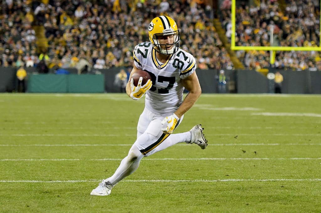 GREEN BAY, WI - SEPTEMBER 28:  Jordy Nelson #87 of the Green Bay Packers runs with the ball in the third quarter against the Chicago Bears at Lambeau Field on September 28, 2017 in Green Bay, Wisconsin. (Photo by Stacy Revere/Getty Images)