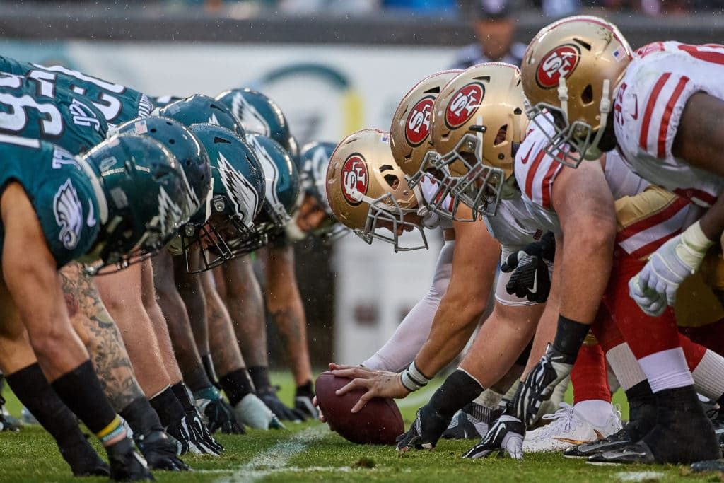 PHILADELPHIA, PA - OCTOBER 29: San Francisco 49ers and Philadelphia Eagles players lineup at the line of scrimmage during the NFL football game between the San Francisco 49ers and the Philadelphia Eagles on October 29, 2017 at Lincoln Financial Field in Philadelphia, Pennsylvania. The Philadelphia Eagles defeated the San Francisco 49ers by the score of 33-10. (Photo by Robin Alam/Icon Sportswire via Getty Images)