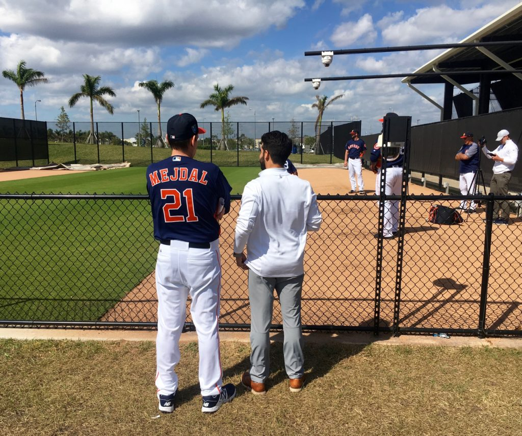 Watching-bullpens-with-taubman-1024x856