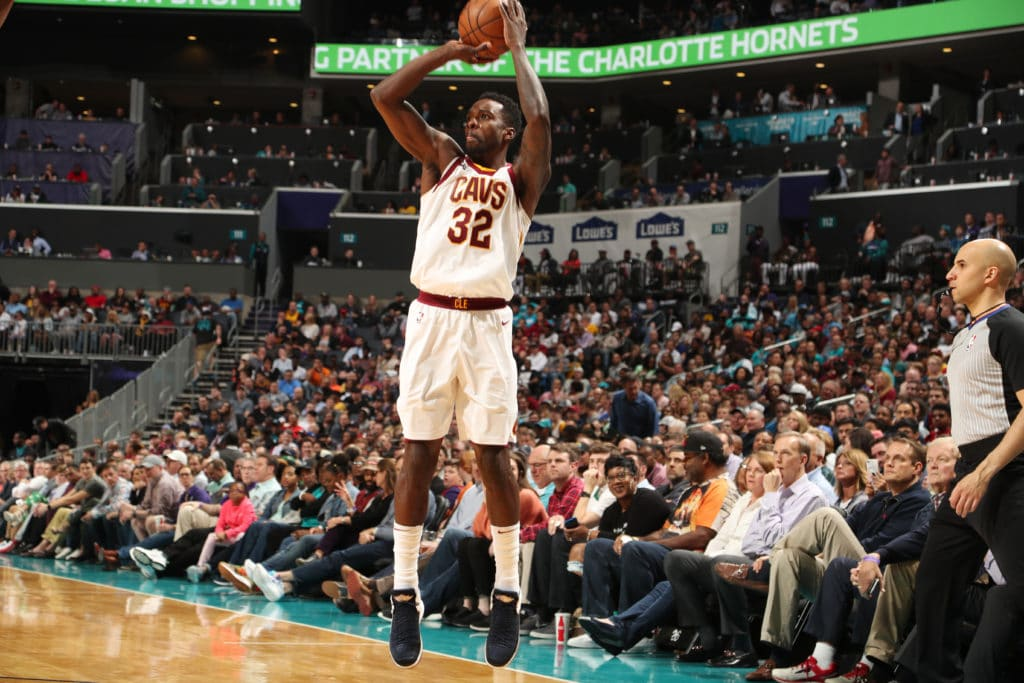 CHARLOTTE, NC - MARCH 28:  Jeff Green #32 of the Cleveland Cavaliers shoots the ball against the Charlotte Hornets on March 28, 2018 at Spectrum Center in Charlotte, North Carolina. NOTE TO USER: User expressly acknowledges and agrees that, by downloading and or using this photograph, User is consenting to the terms and conditions of the Getty Images License Agreement.  Mandatory Copyright Notice:  Copyright 2018 NBAE (Photo by Kent Smith/NBAE via Getty Images)