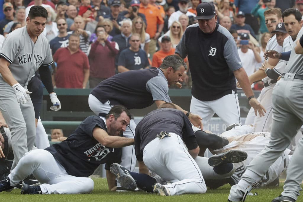 1st game of Yankees-Tigers doubleheader postponed by rain