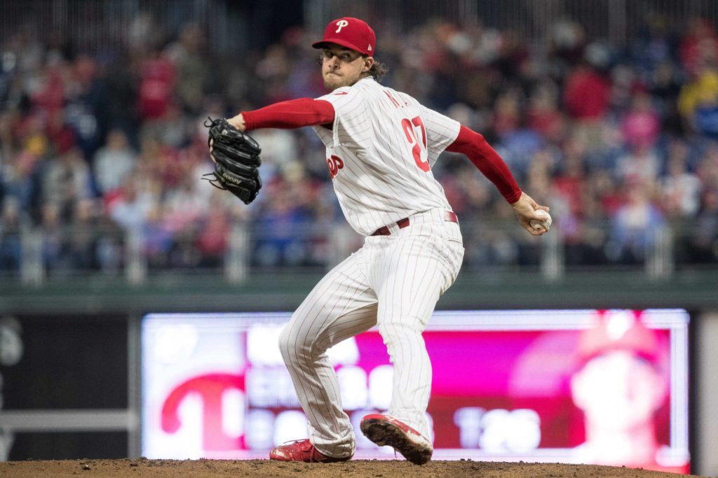 Herrera swats 2 HRs to lead Phils past Braves