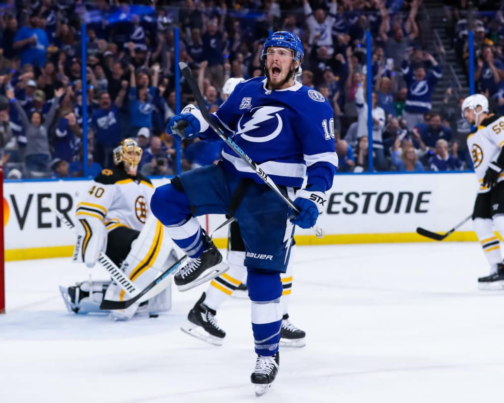 Lightning strike quickly to beat Bruins for series lead