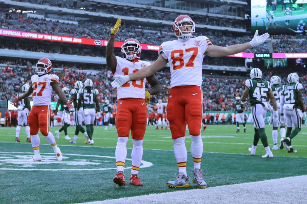 Lining Travis Kelce and Tyreek Hill up on the same side of the field is a  total nightmare for defenses – The Athletic