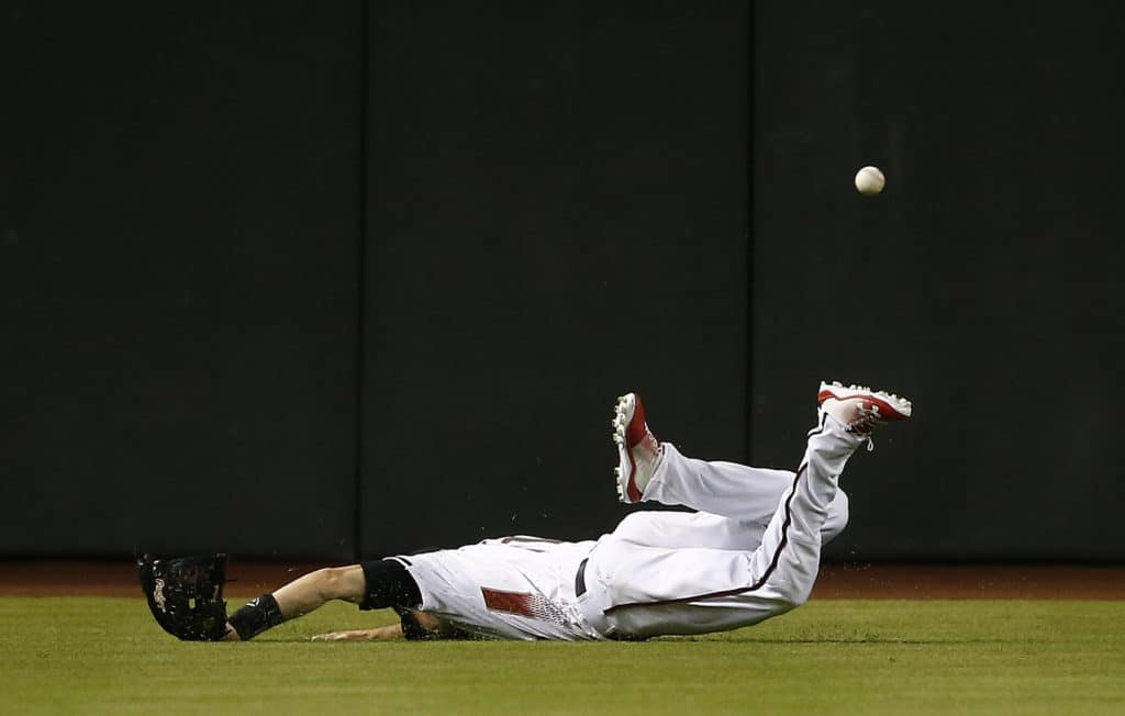 Diamondbacks outfielder out 4-8 weeks with fractured thumb