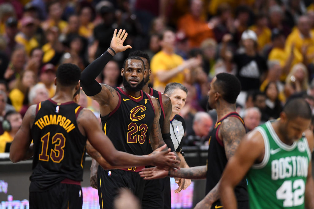 Weiss Le Bron James continues to overpower Celtics in Game 4 win