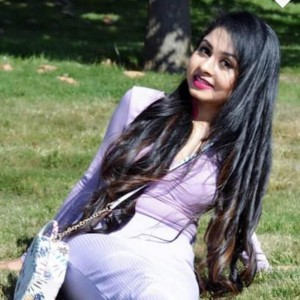 Pooja Headshot
