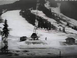 Patchy snow at the Summit at Snoqualmie ski area in February 2015 exemplifies the lack of snow in the Cascades. Photo: S. Ringman, Seattle Times.  Accessed via P. Stevens https://flic.kr/p/qegBhX