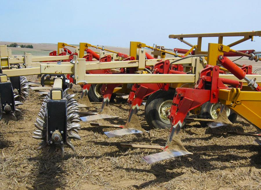 Bladed tillage implements