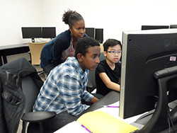 Rainier Scholars participants in the computer lab