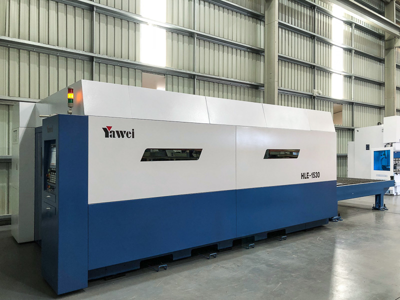 A new Yawei HLE-1530 high speed fiber laser with 2000W IPG laser source