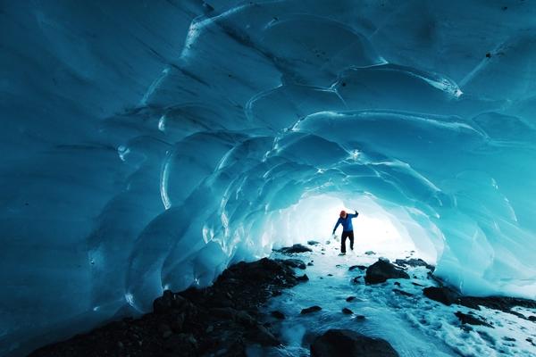 paxson-woelber-unsplash-alaska-byron-glacier