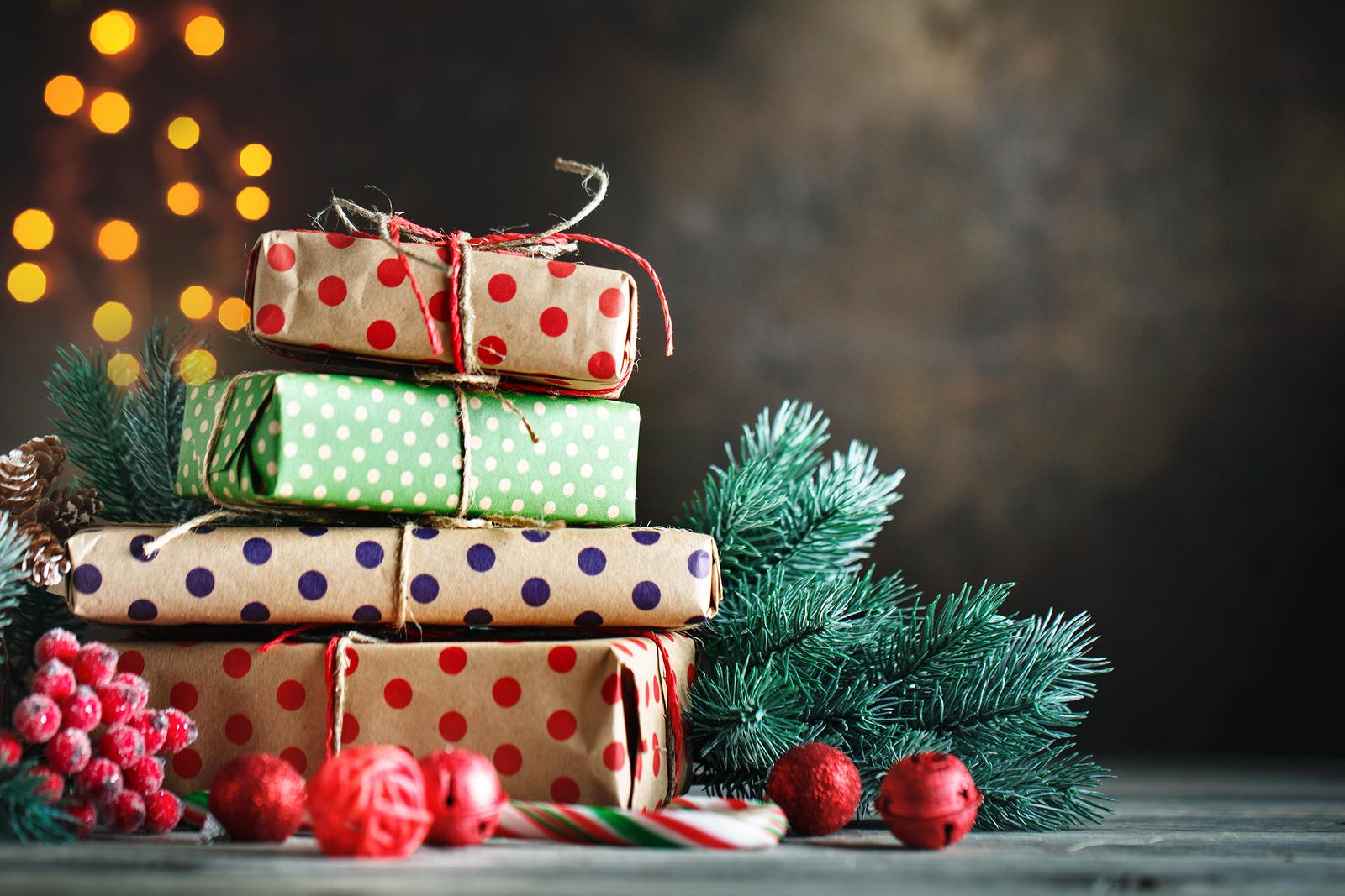 Christmas presents-travel healthcare jobs dec 24-Christmas Eve