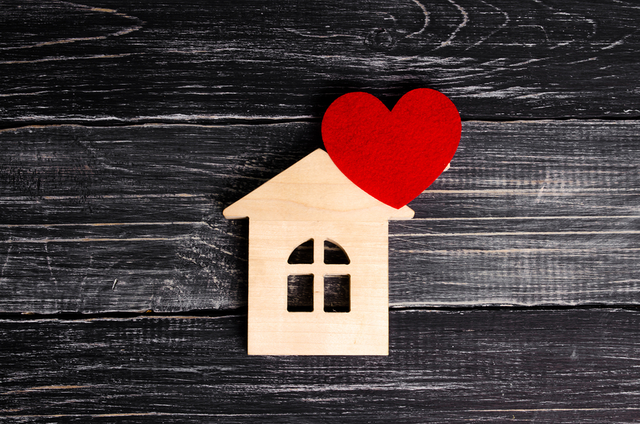 pt home health travel jobs-wooden house-red heart-wood background