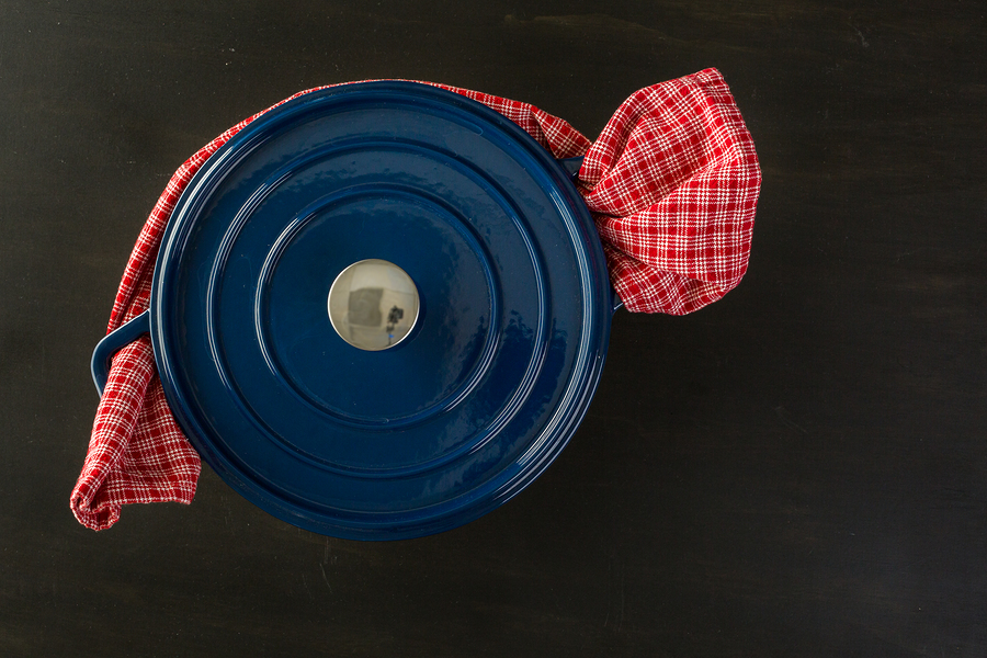 dutch oven-travel nursing kitchen