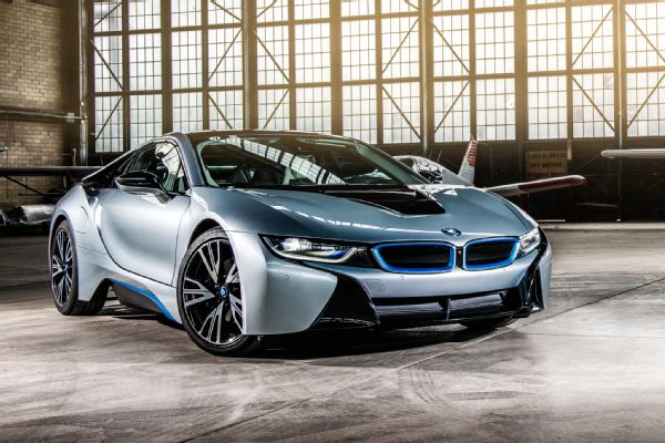 bmw-i8-hangar-front-three-quarter