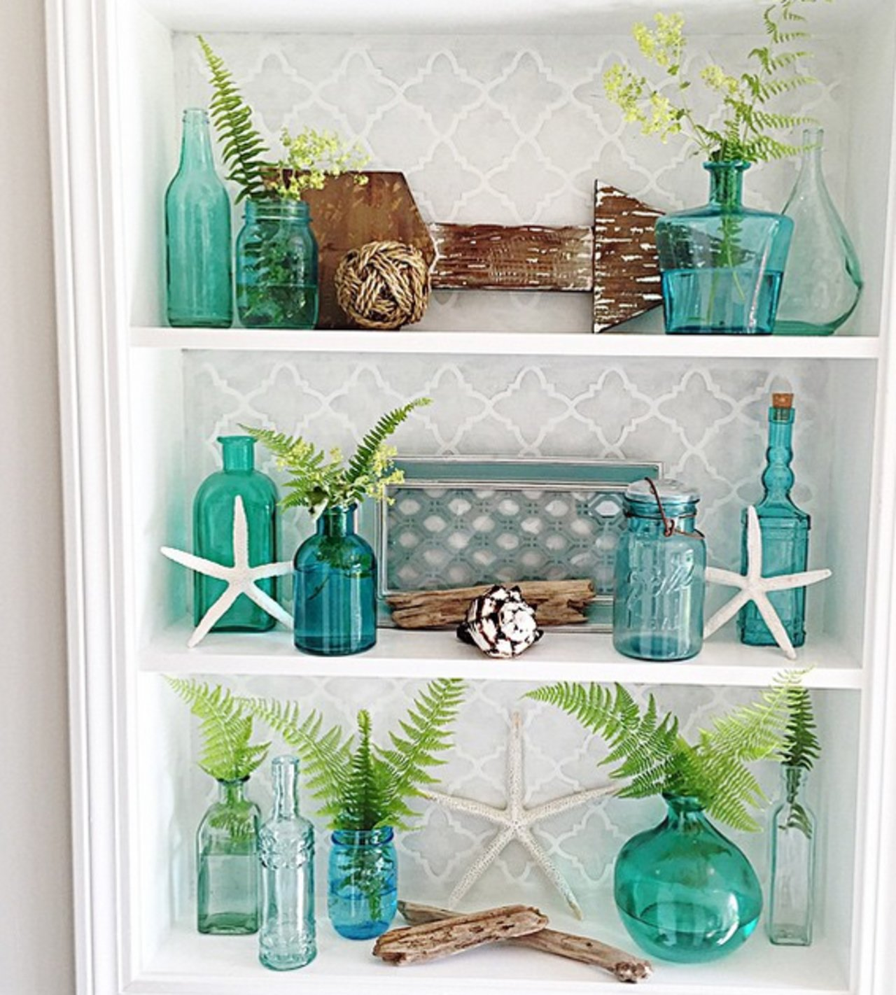 12 of instagram 39 s most on point coastal looks the accent for Sea green bathroom accessories