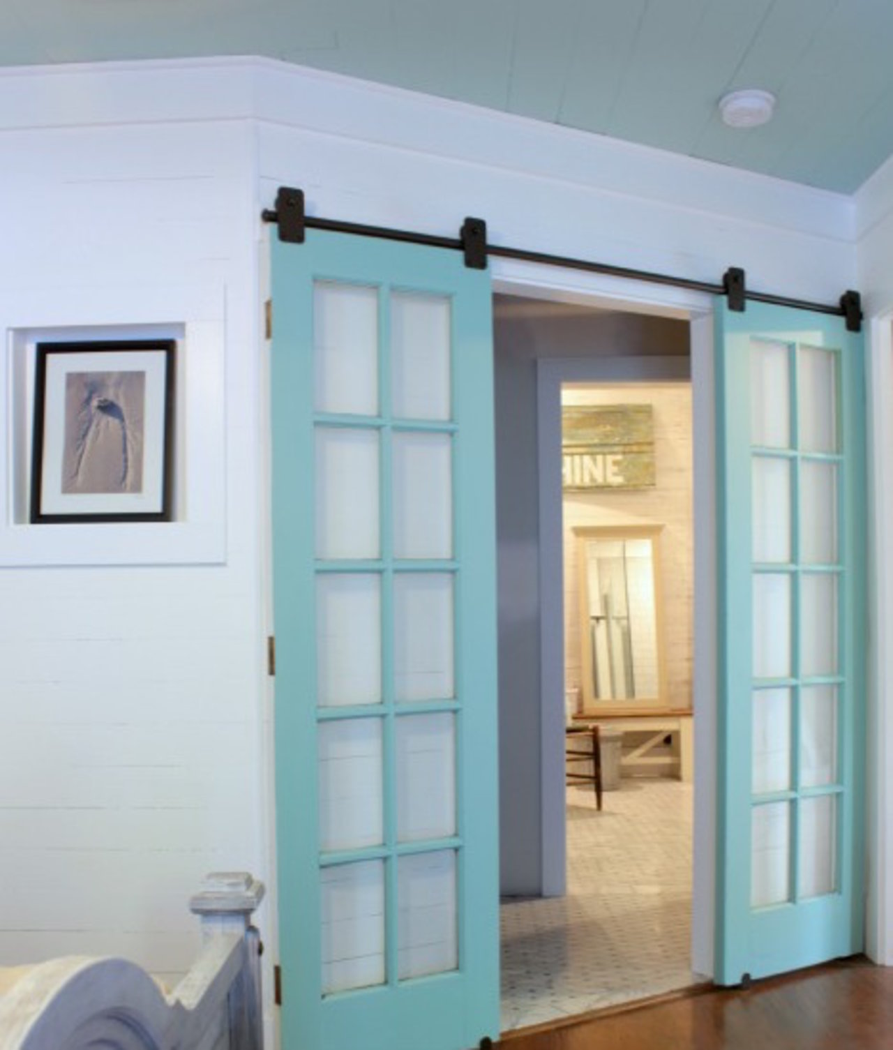 Proof Barn Doors Totally Work as Home Decor & Proof Barn Doors Totally Work as Home Decor - The Accent™