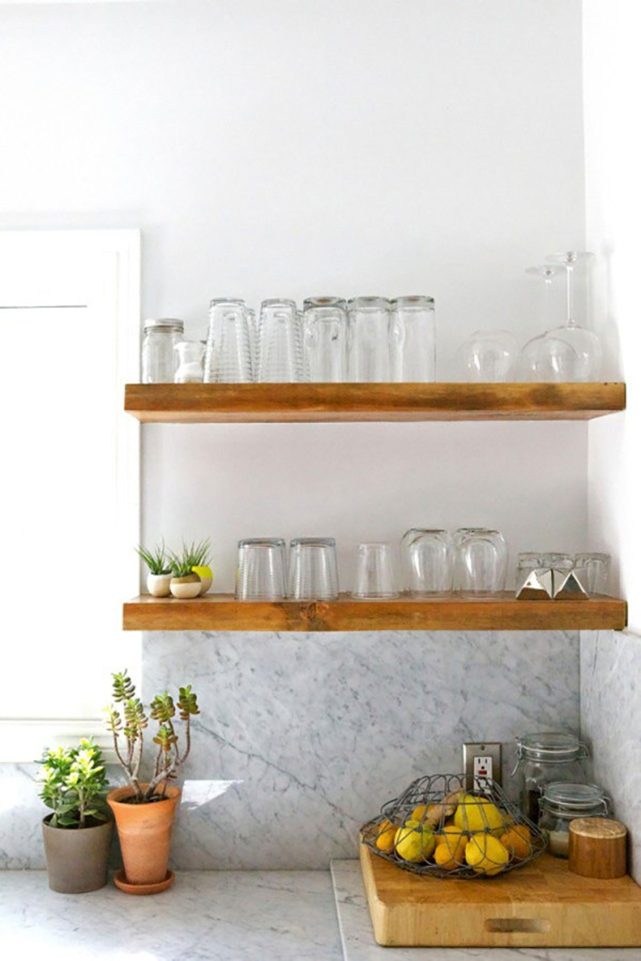 Open kitchen shelving the accent for Kitchen shelves design